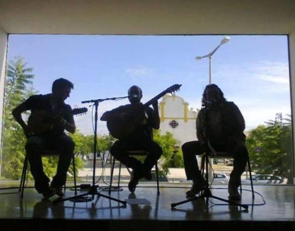 no palco natural da Biblioteca Álvaro de Campos