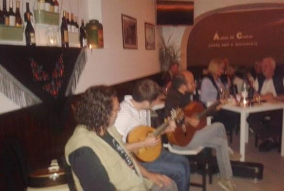 há musica na poesia restaurante alvaro de campos